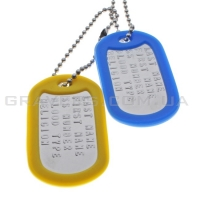 Комплект жетонов с набивкой текста DogTags с желто-синими резинкам